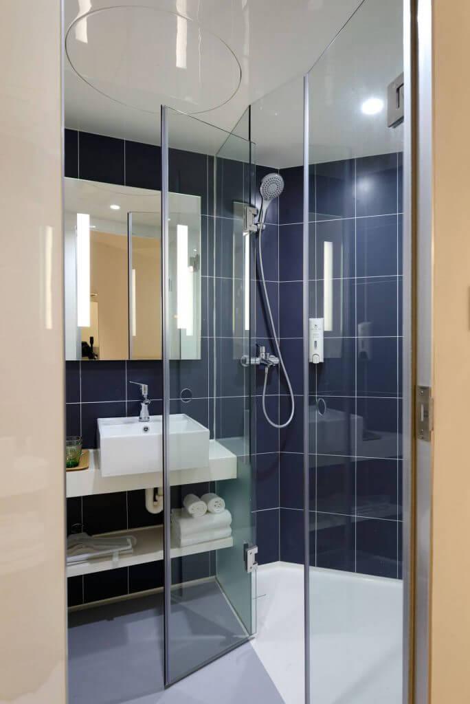 душ кабина в баня