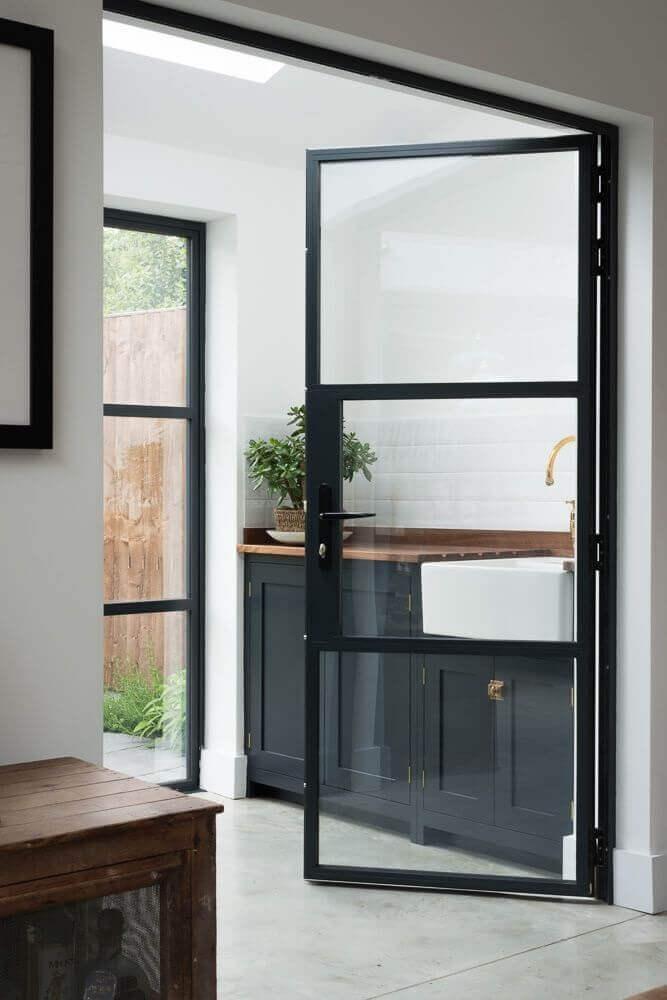 Модерна стъклена интериорна врата за дома 2020